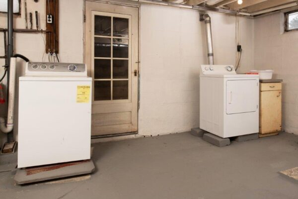 39 Chambers Street Washer and Dryer