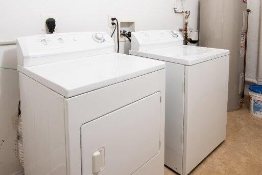 Amstel Square Apartments Washer and Dryer