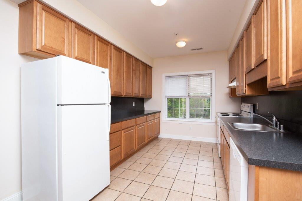 Campus Crossing 4 Bed 3 Bath Apartment Kitchen