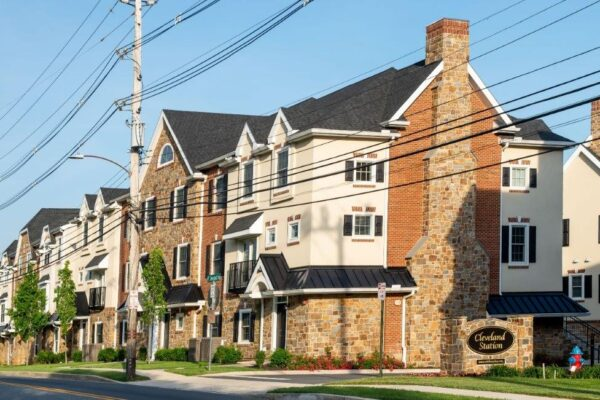 Cleveland Station Townhome 4 Bed 2 Bath for Rent