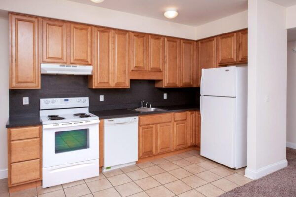 Campus Crossing 4 Bed 2 Bath Apartment Kitchen