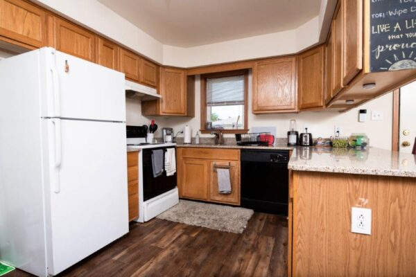 4 Bedroom New London Rd Single Family Home Kitchen