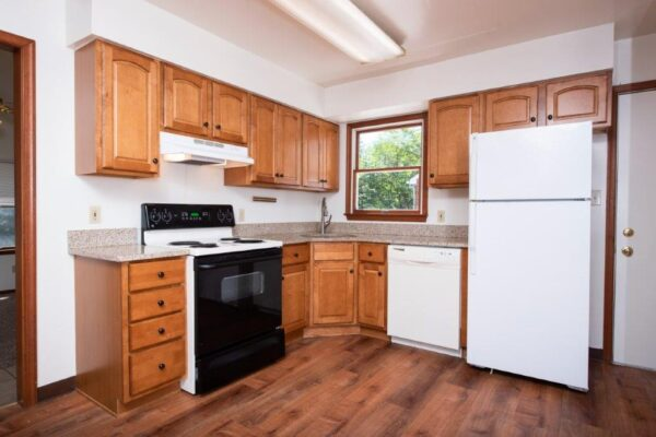 Tyre Avenue Rental Property Kitchen