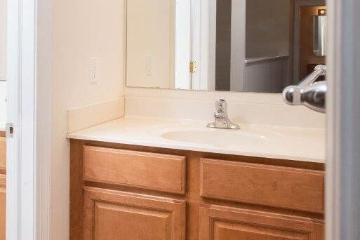 Campus Crossing 5 Bedroom Apartment Bathroom