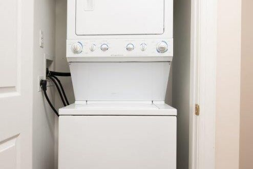Campus Crossing 6 Bedroom Washer Dryer
