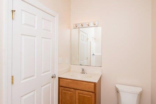 Campus Crossing 6 Bedroom Apartment Bathroom