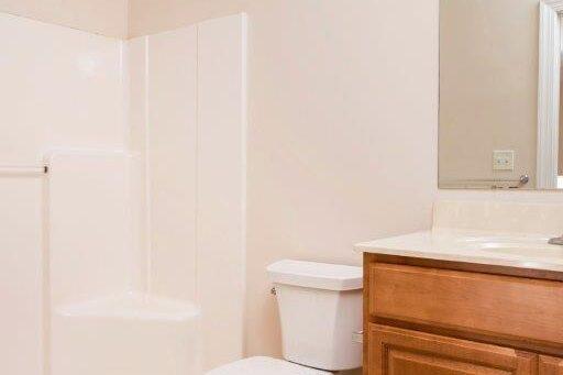 Campus Crossing 6 Bedroom Apartment Bathroom